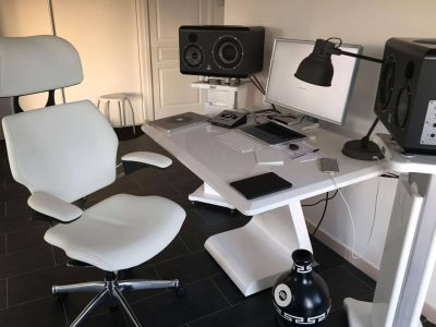 Welcome to the white room... feat ZAOR iDesk S, Zaor Isostands and Human Scale Freedom Headrest chair. copy
