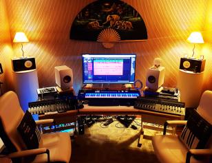Lowfreak Studio